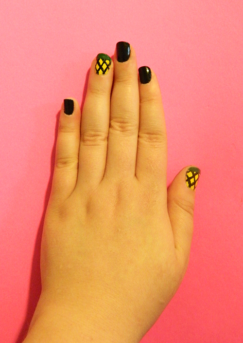 DIY-Monthly-Mani-Graphic-Pineapple-Green