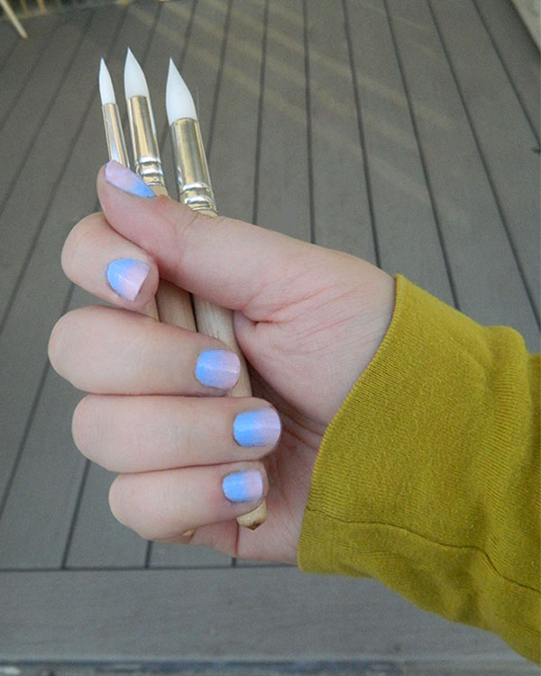 DIY-Monthly-Mani-Pantone-Gradient-Nails-Brushes
