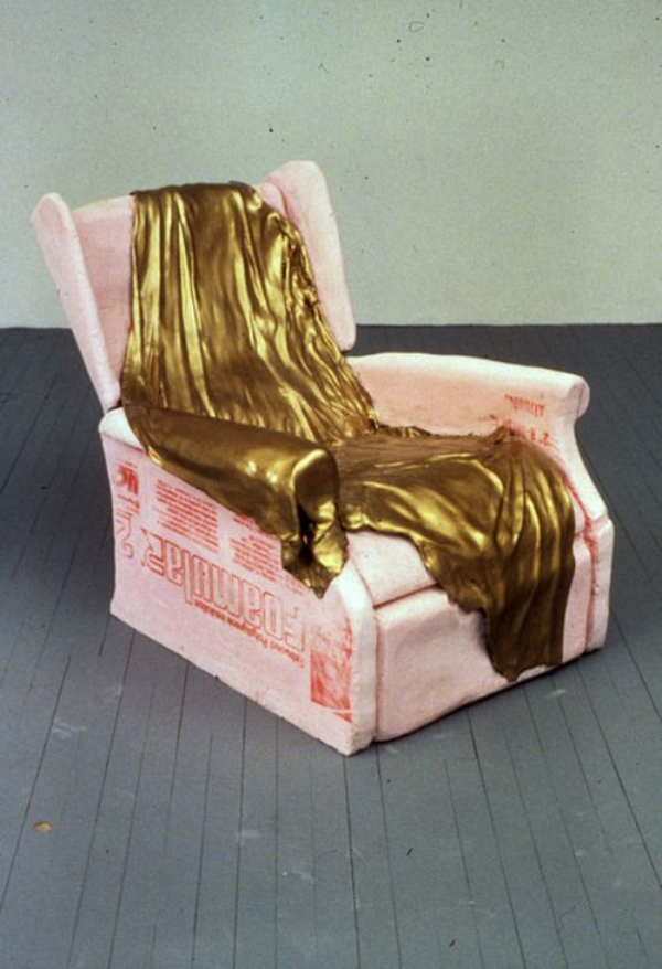 Friday-Vibes-Going-for-the-Gold-Chair