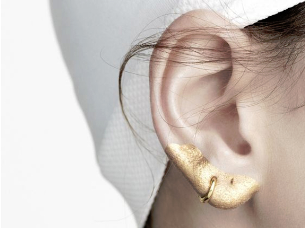 Friday-Vibes-Going-for-the-Gold-Ear-Lobe