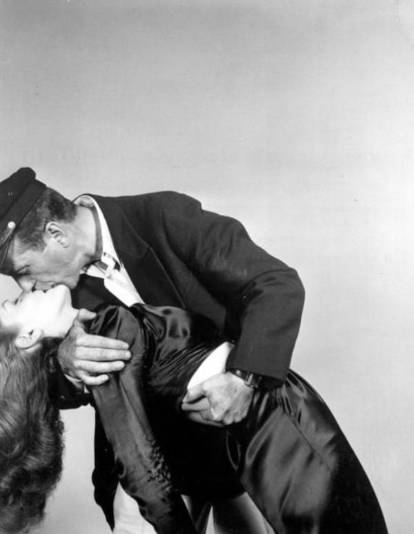 Friday-Vibes-Kiss-Kiss-Bacall-and-Bogart