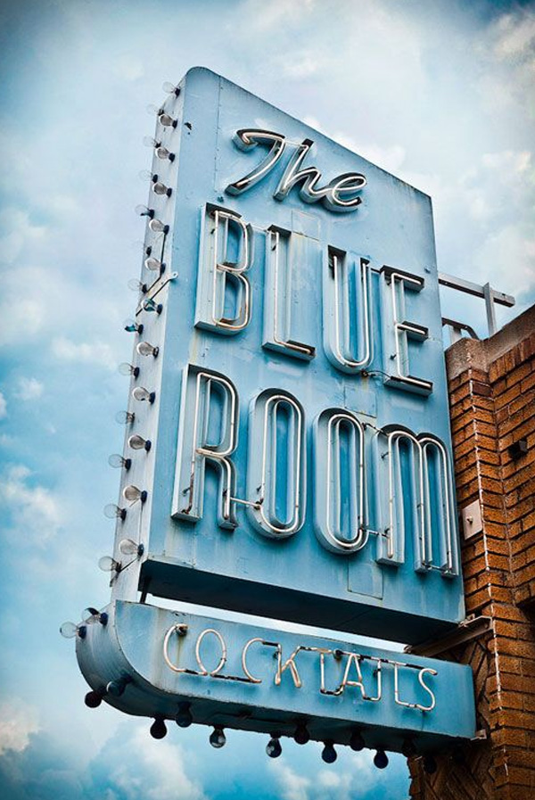 Friday-Vibes-Signs-The-Blue-Room