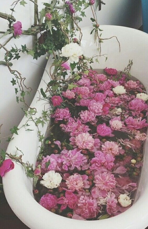 Friday-Vibes-May-Flowers-Bathtub