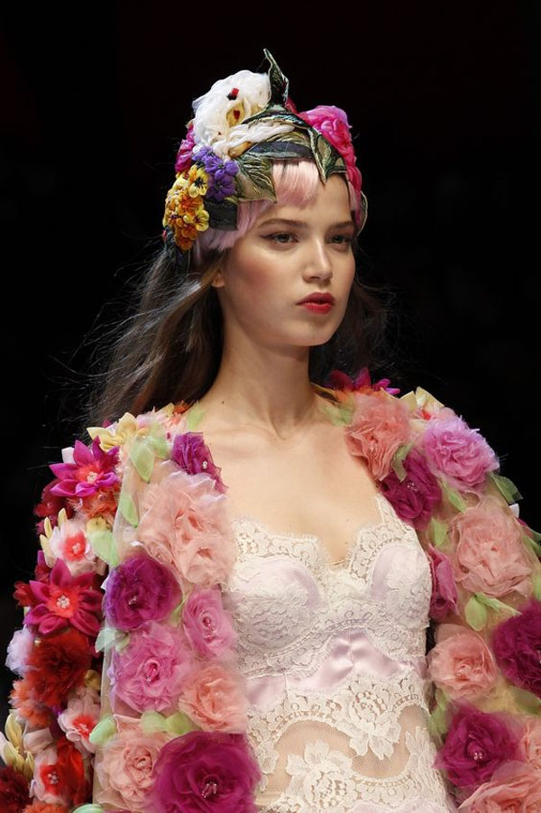 Friday-Vibes-May-Flowers-Dolce-and-Gabbana-Fall-16