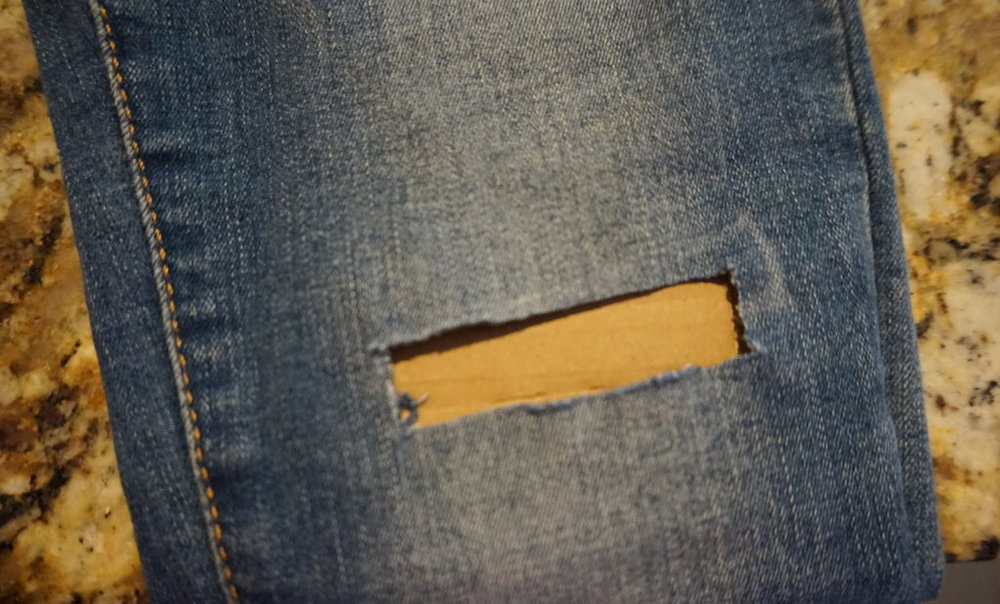 DIY-Ripped-Jeans-Puckers-Pumps-Blog4.jpg