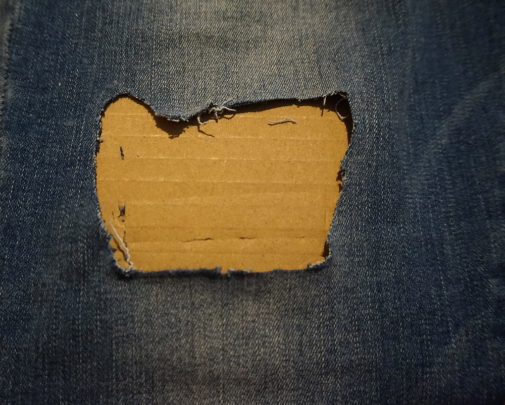 DIY-Ripped-Jeans-Puckers-Pumps-Blog5.jpg
