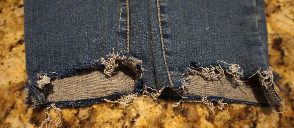 DIY-Ripped-Jeans-Puckers-Pumps-Blog8.jpg