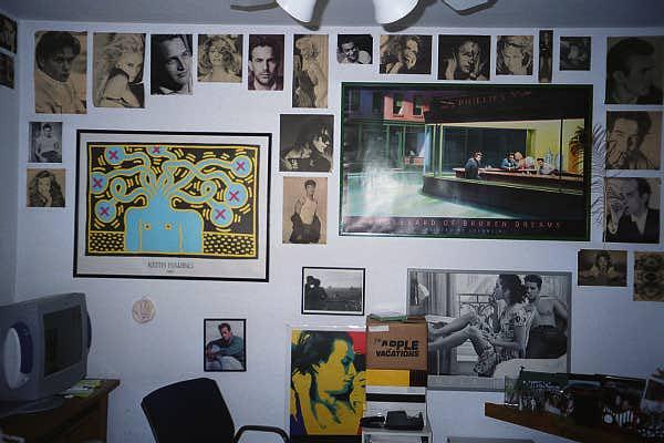 Anna's Teen Room Decor 1.JPG