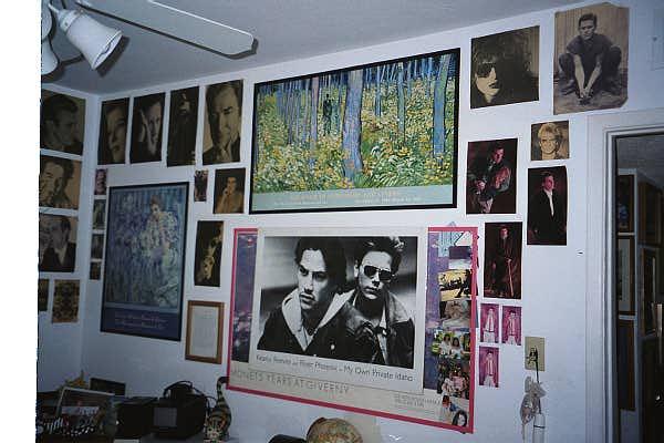 Anna's Teen Room Decor 2.JPG