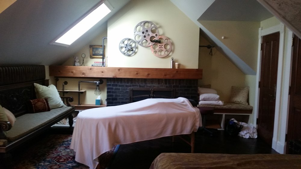 A Bed and Breakfast Healing Massage for you and your partner