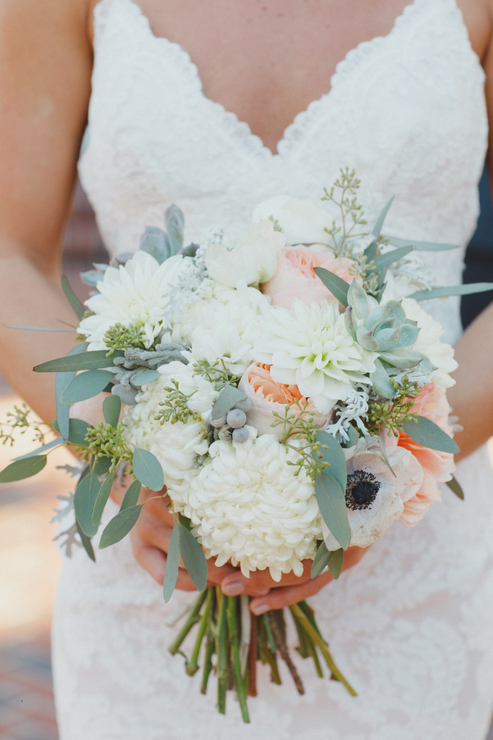 Bluegrass Chic - Bridal bouquet with white and peach