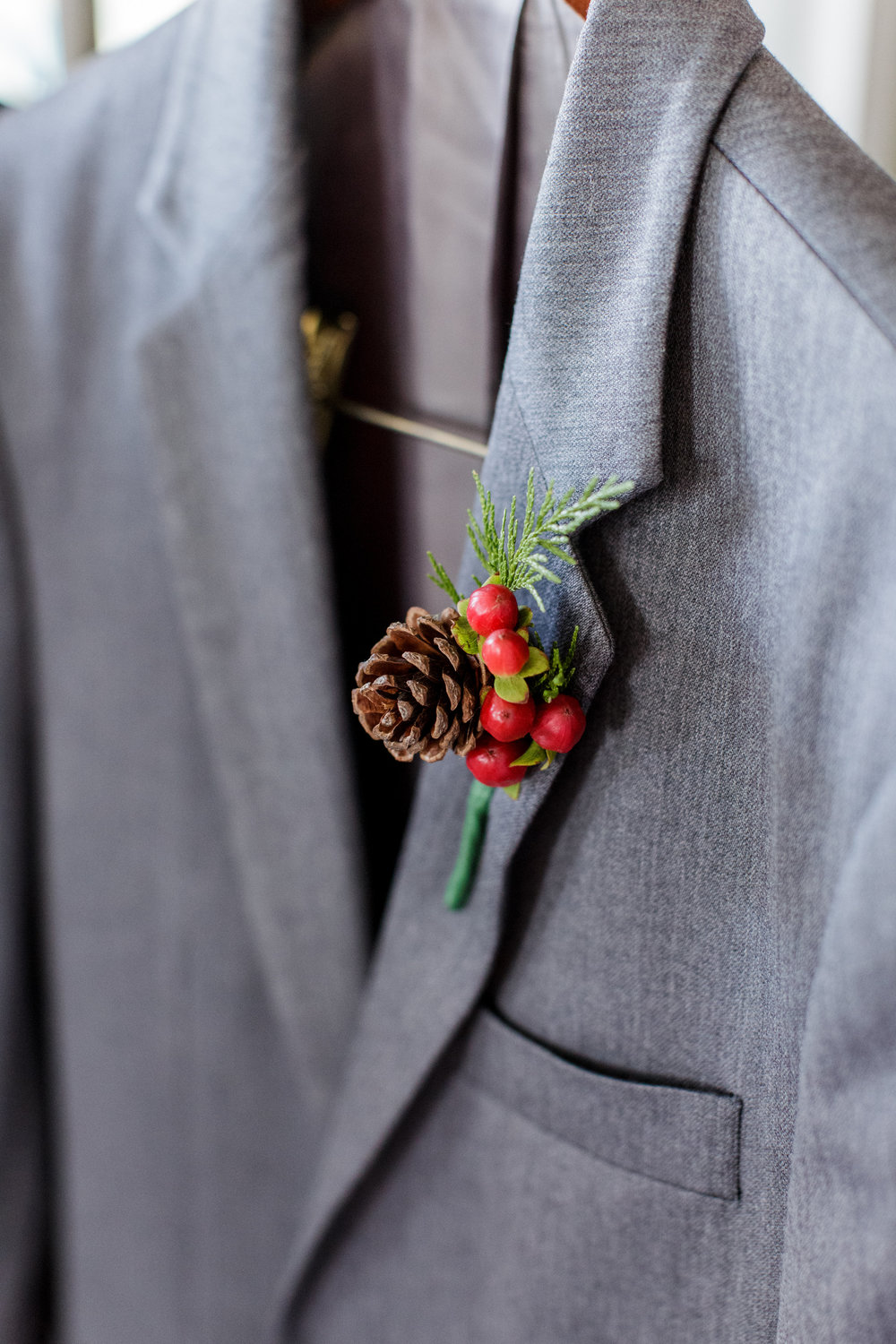 Bluegrass Chic - Bumby Photography - Pinecone boutonniere