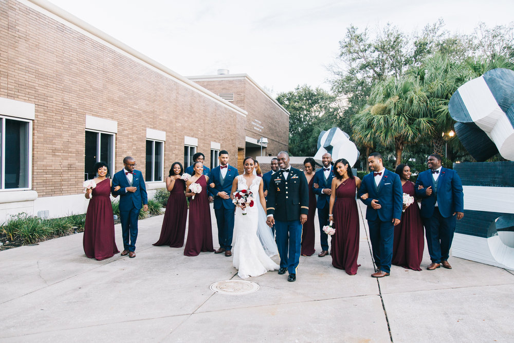 Bluegrass Chic - Gorgeous wedding party