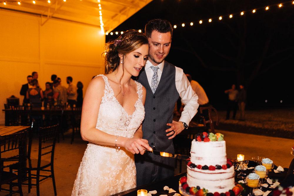 Bluegrass Chic - cake cutting