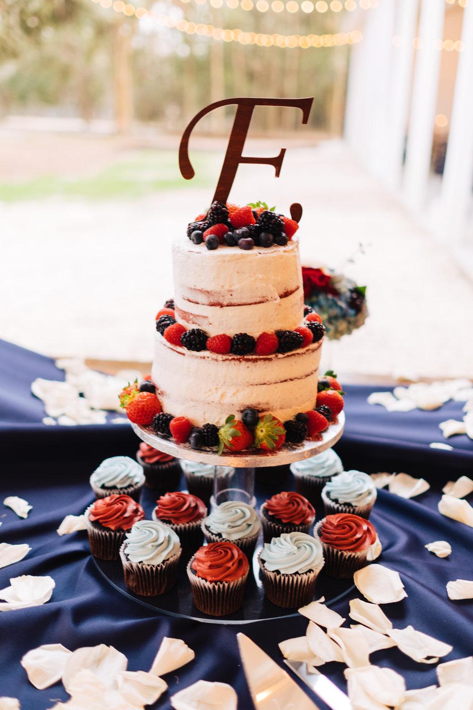Bluegrass Chic - wedding cake
