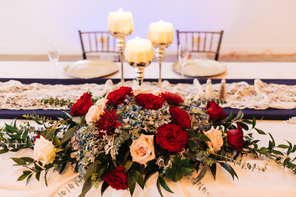 Bluegrass Chic - sweetheart table flowers