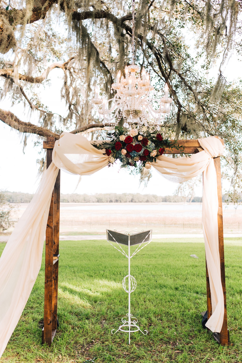 Bluegrass Chic - ceremony arch floral