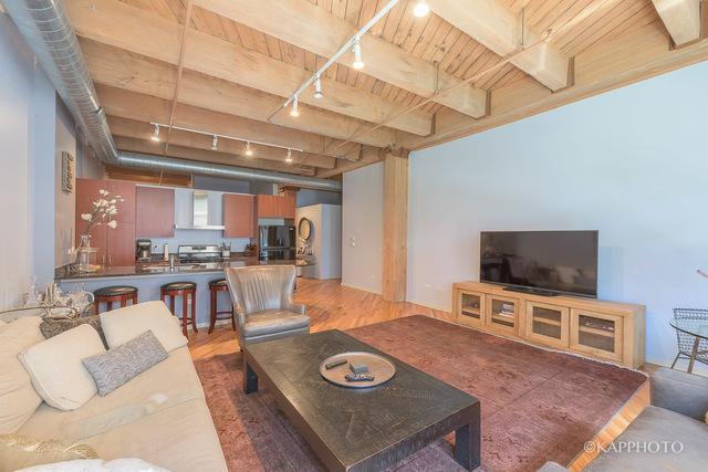 1040 W Adams St 1 Bedroom plus Den $349,000