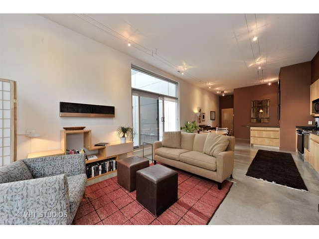 939 W Madison, 2 bed 2 bath, $525,000