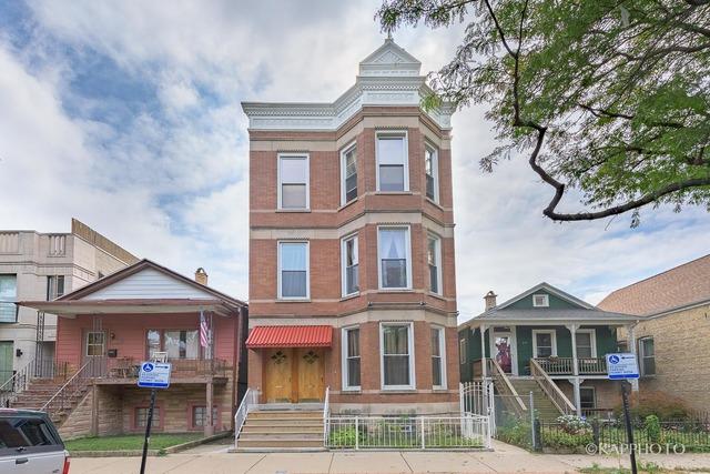 2121 W Superior, 5-Unit Building, $1,200,000