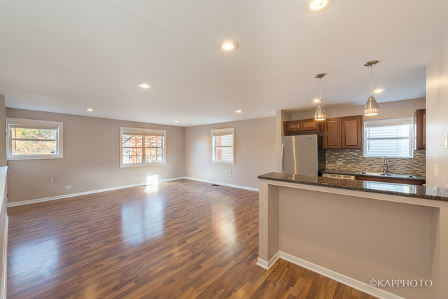 129 S Bell #2, 3 Bed 2 Bath, $1,800