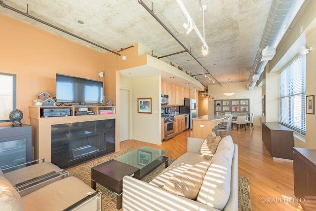 933 W Van Buren, 3 bed 2 bath, $579,000