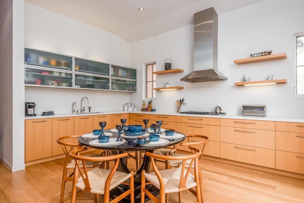 005_05-Kitchen.jpg