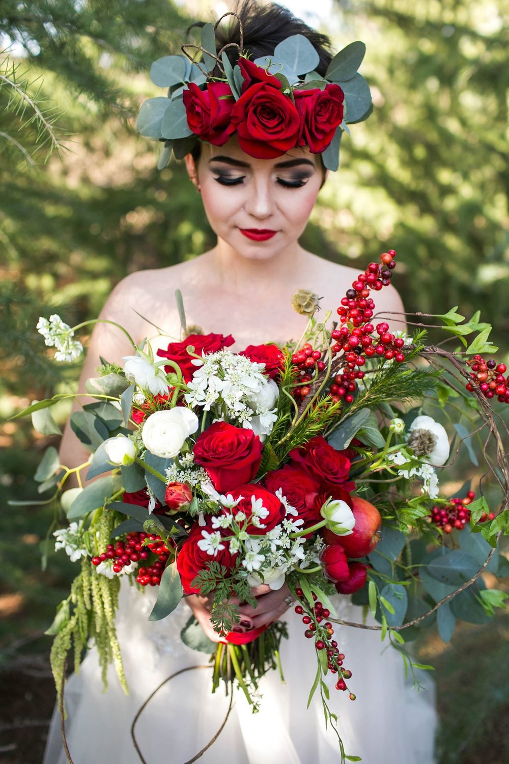 Smitten_bridal_apple_bouquet_hesperia.jpg