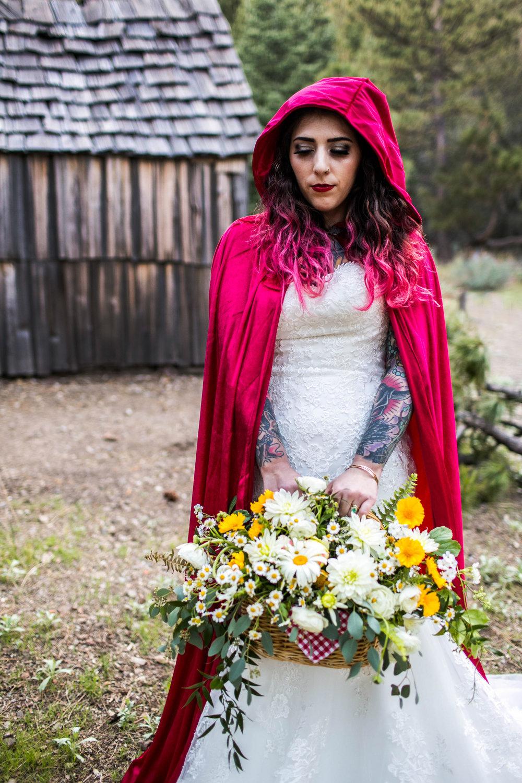 smitten_bridal_hesperia_So_cal_florist.jpg