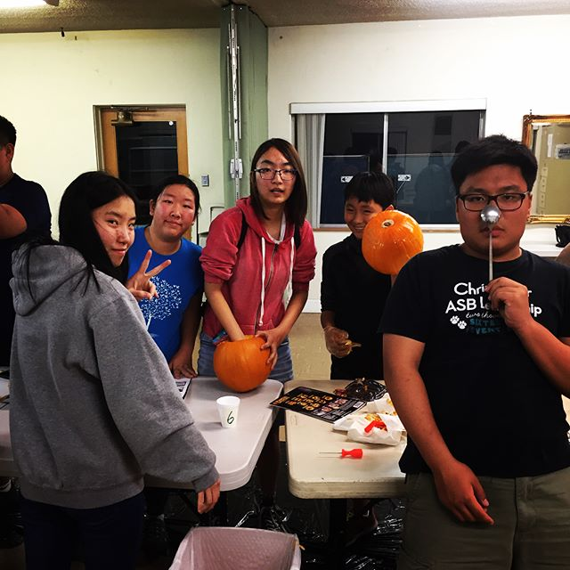 gearing up for the 31st!#pumpkincarvingcontest #복불복