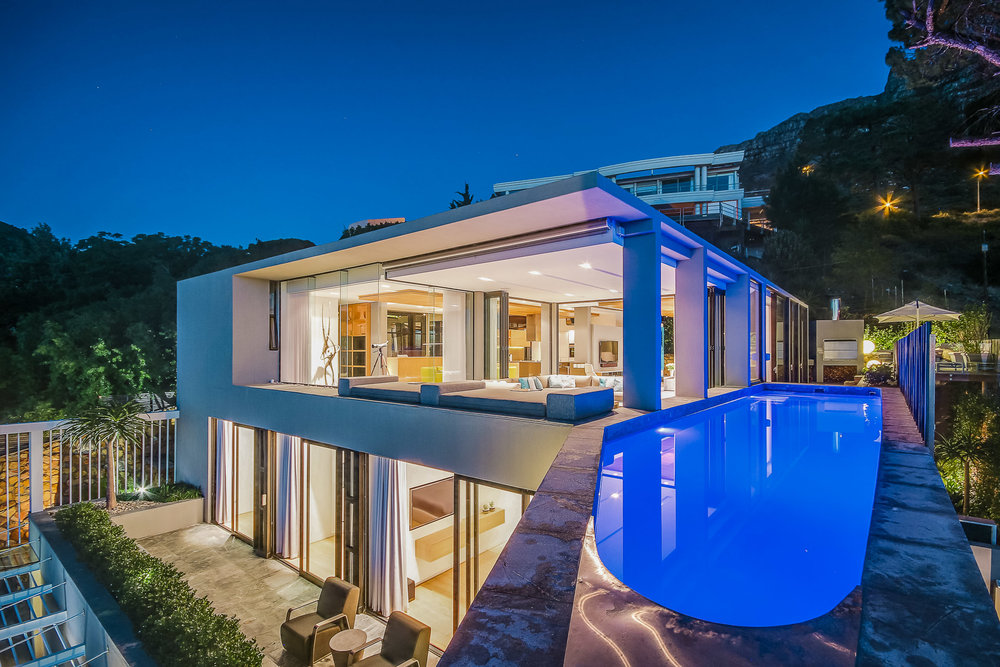 GENEVA HOUSE - Camps BayFrom R 32,000.00 P?N