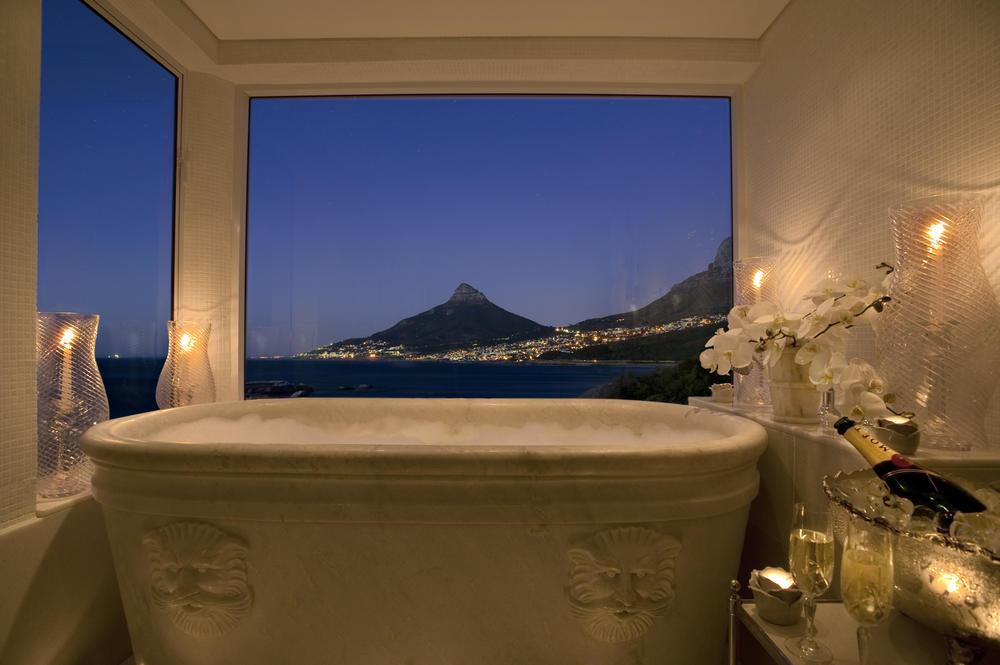 041. Presidential Suite Bathroom1.jpg