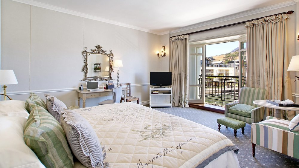 Luxurious-Room-at-Cape-Grace-Hotel.jpg
