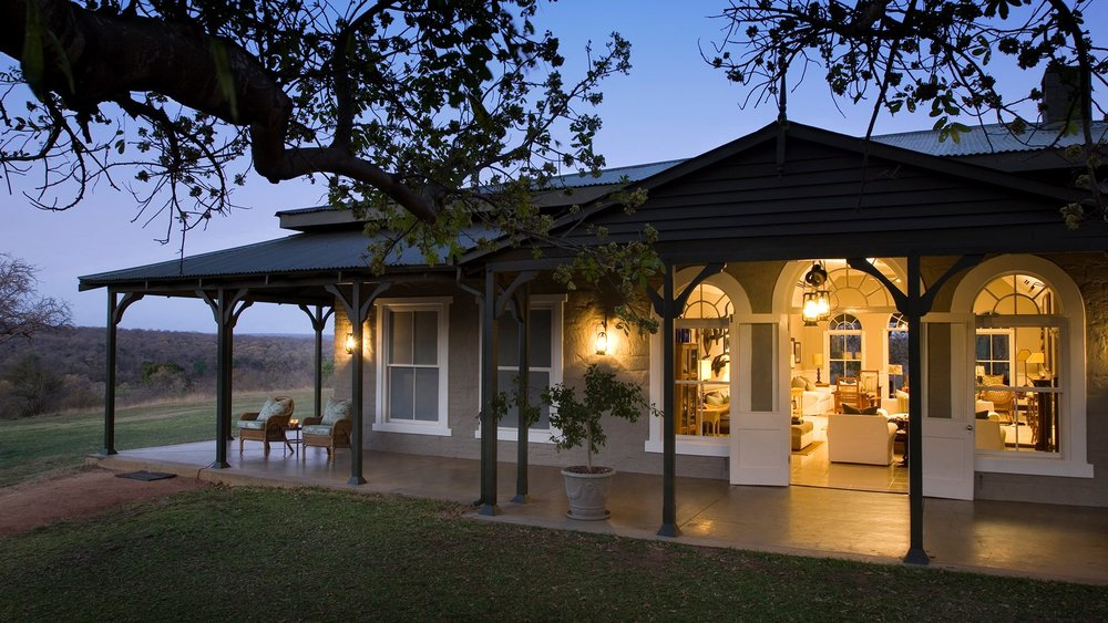 guest-area-at-dawn-at-andbeyond-kirkmans-kamp-on-a-luxury-sabi-sand-safari-in-south-africa.jpg