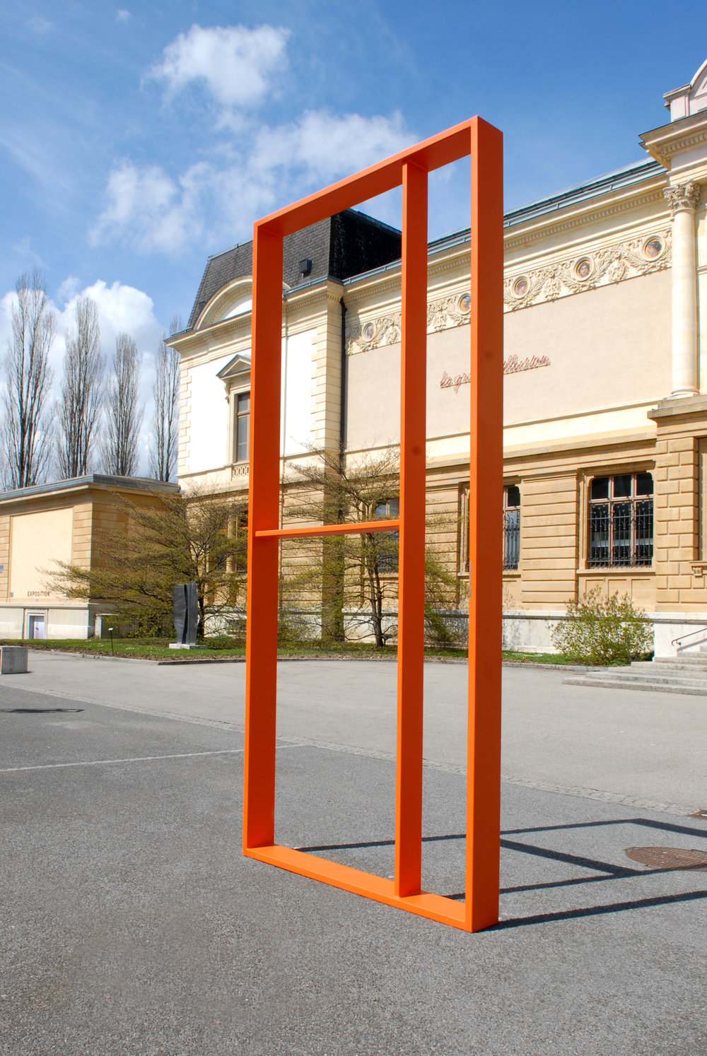 Günther Förg,  Sans titre , 2007, 450 x 200 x 25 cm,acier, une sculpture offerte le 16 avril 2008 par ARTHIS pour son 10ème anniversaire