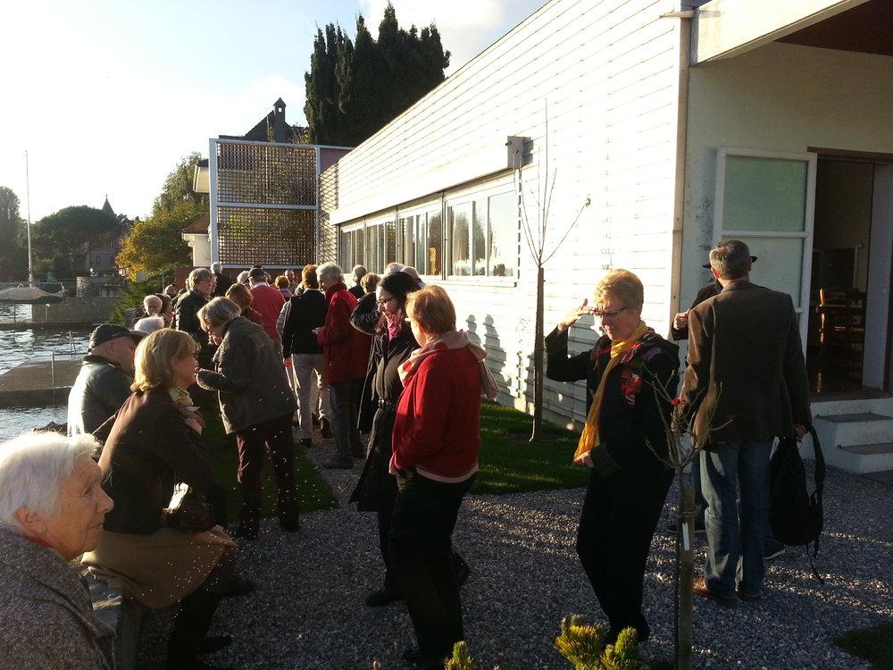 Arrivée du groupe à la Villa Le Corbusier à Corseaux
