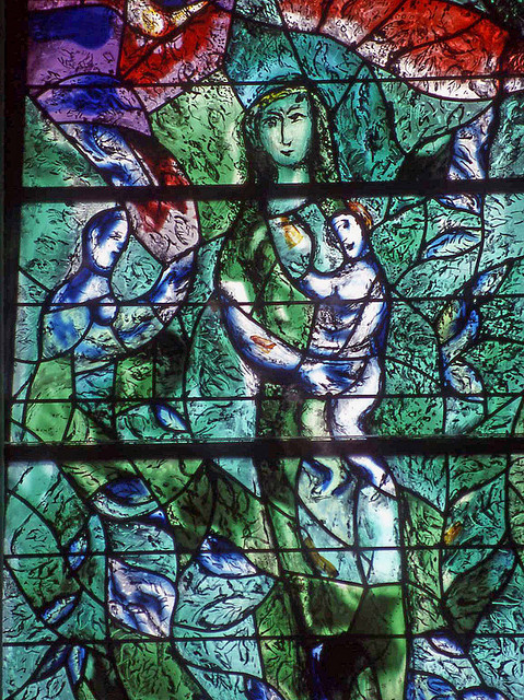 Détail de l'un des vitraux de Chagall du Fraumünster de Zurich