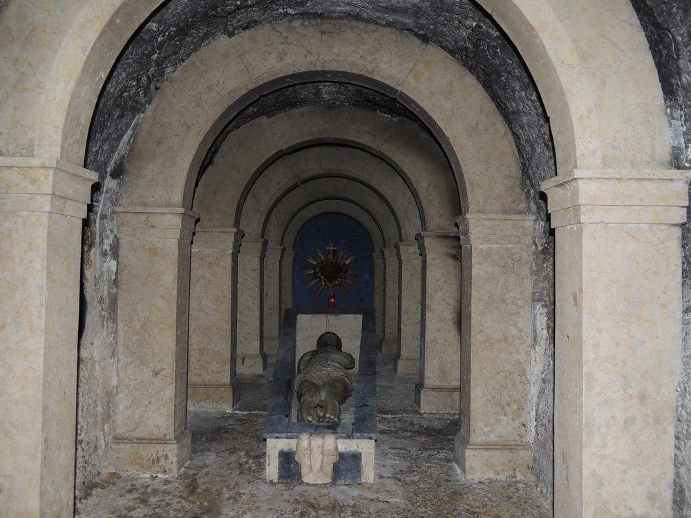 Saint-Sépulcre que l'on découvre dans la chapelle Saint-Vérène et qui date de 1810