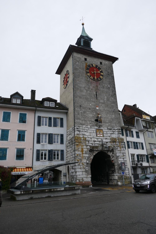 La porte de Bienne ferme la vieille ville de Soleure à l'ouest