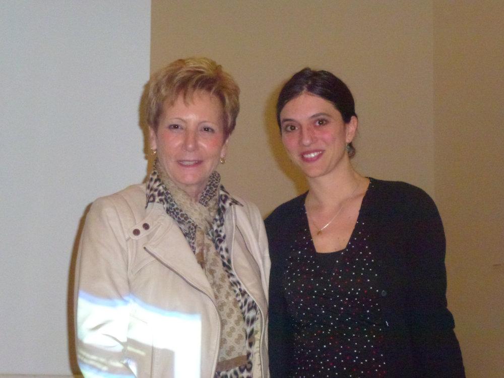 L'assemblée générale du 21 mars 2013 est l'occasion de présenter la nouvelle conservatrice du département des arts plastiques, Antonia Nessi, ici en compagnie de la présidente d'ARTHIS Violaine Barrelet