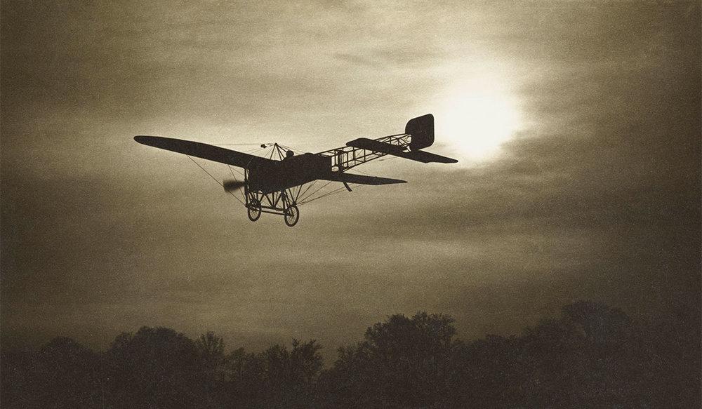 Carte postale d'un Blériot XI en vol ; carte postale de Jean Gaberell (1887-1949)après 1909