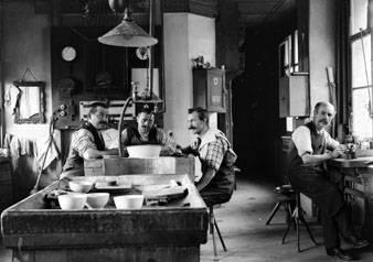 Ateliers Huguenin Médailleurs au Locle au début du 20ème siècle