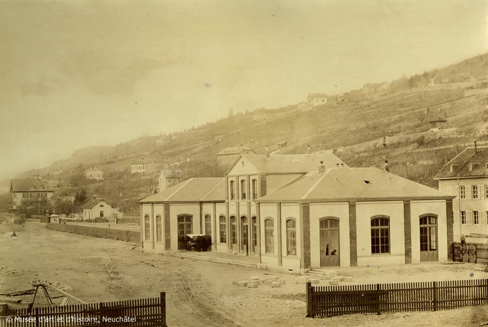 Première gare de Neuchâtel en 1859, l'une des passionnantes photos exposées