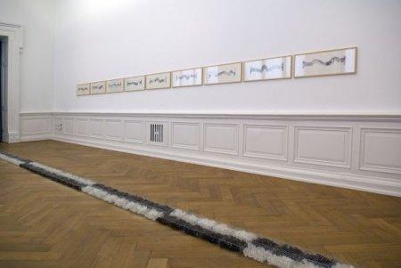 MAQWAR,  Ligne d'arpenteurs , 2008, et Denis de Rudder,  Le cycle de la Roue , 1998-2000