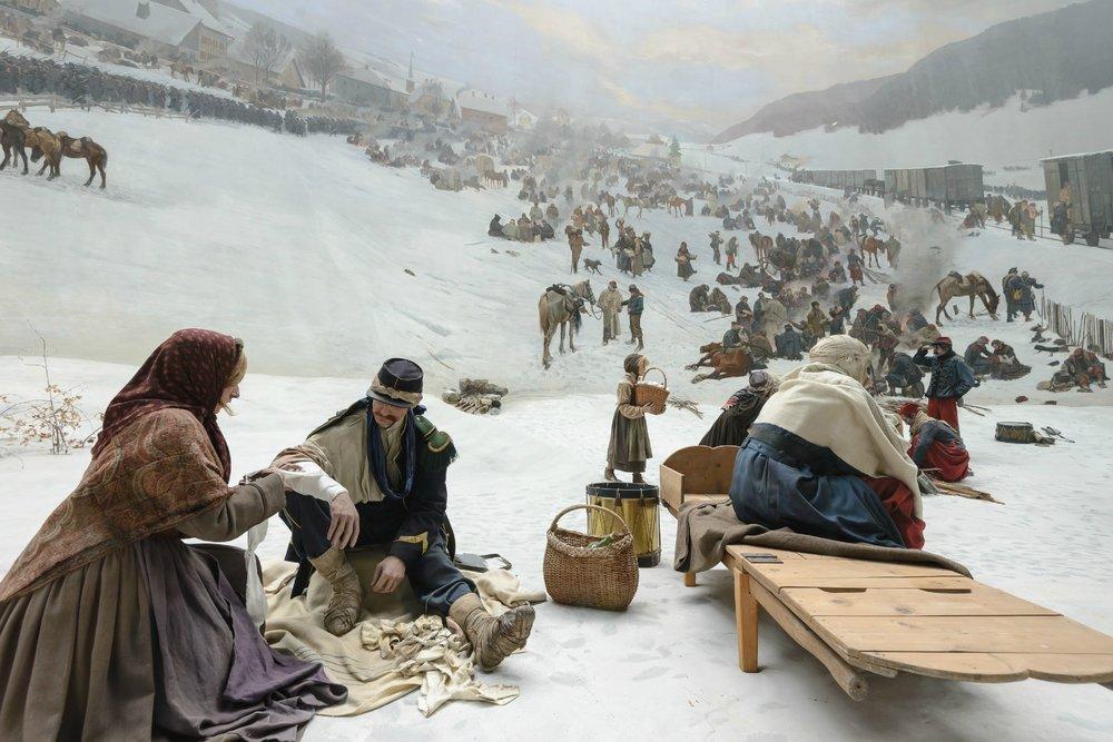 Des soldats mourant au bord du chemin, des civils fuyant avec leurs maigres possessions et une armée qui rend les armes à la frontière suisse : le panorama Bourbaki représente un rare témoin de l'histoire des médias et des guerres au 19e siècle.