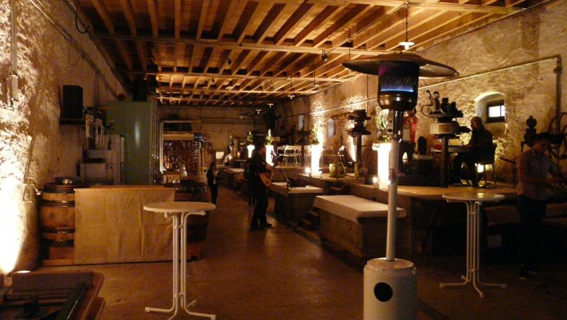 Le pressoir du Château de Luins, où nous dégusterons des vins et spécialités de la région