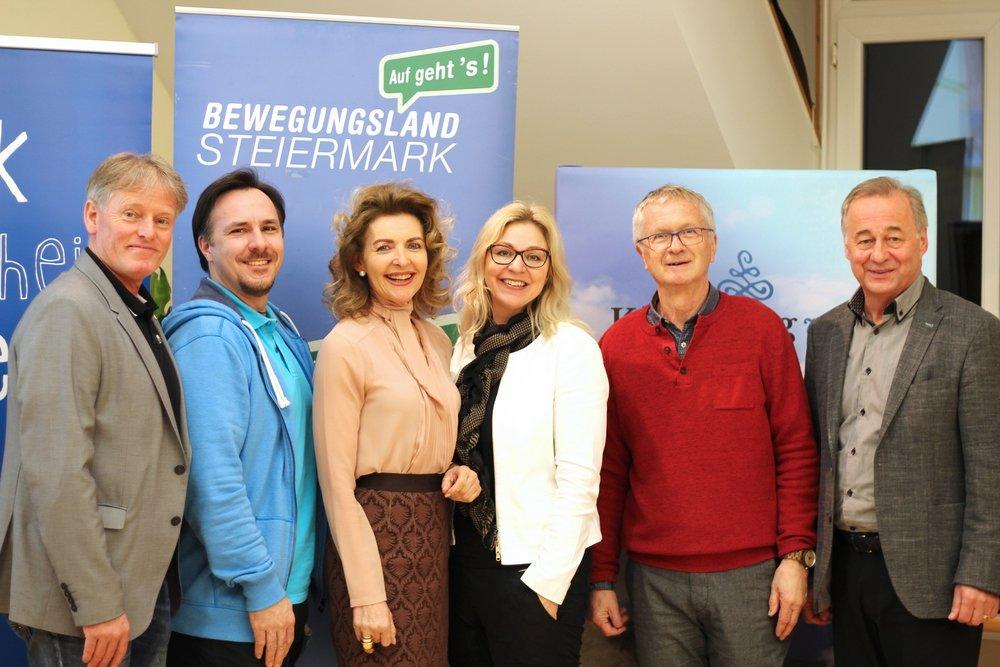 Von links: Mag. Arne Öhlknecht,Oliver Reisenhofer, Mag. Sylvia Pobatschnig, Doris Hiller-Baumgartner, Josef Mundigler &Bürgermeister Florian Gölles