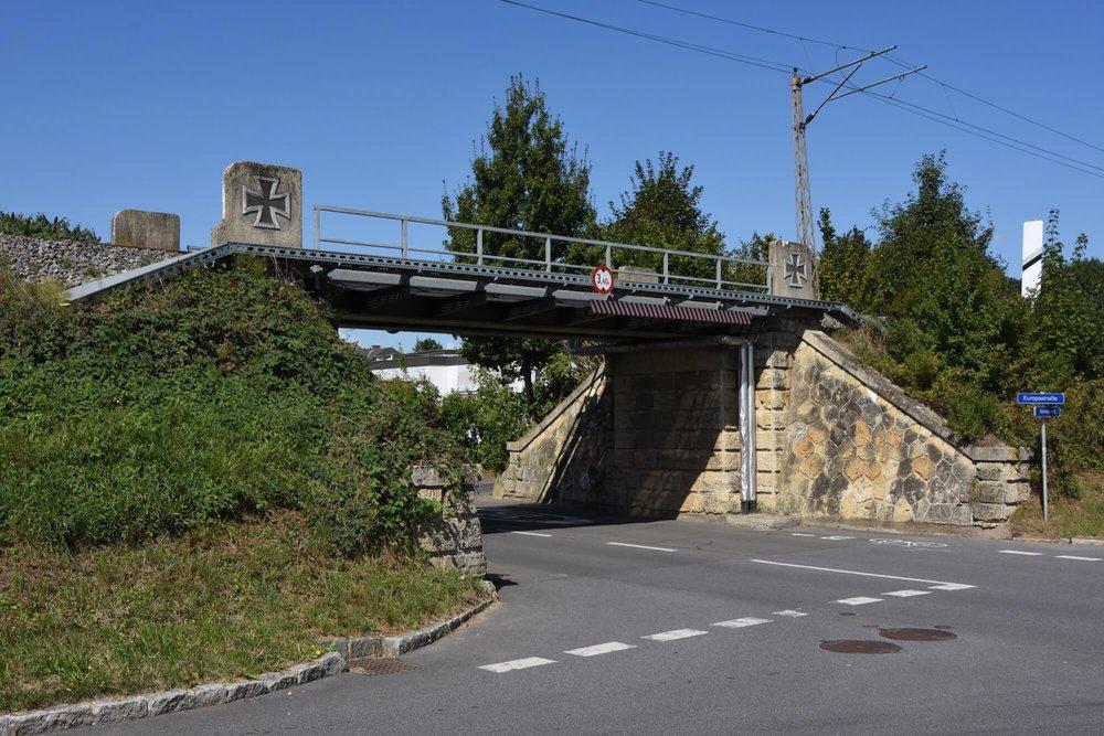 Bahndamm mit Brücken | Weidenweg 14, Feldbach