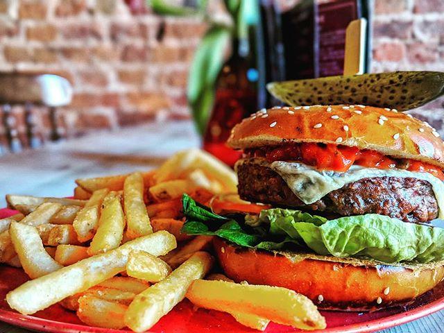 10000000000% animal free 🐄🚫 1000000000000% tasty 👅  Come try our vegan burger😍  #Vegan  #VeganBurger  #Tasty