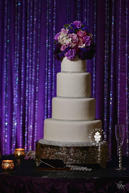 Banks - Dyer wedding cake edited.jpg